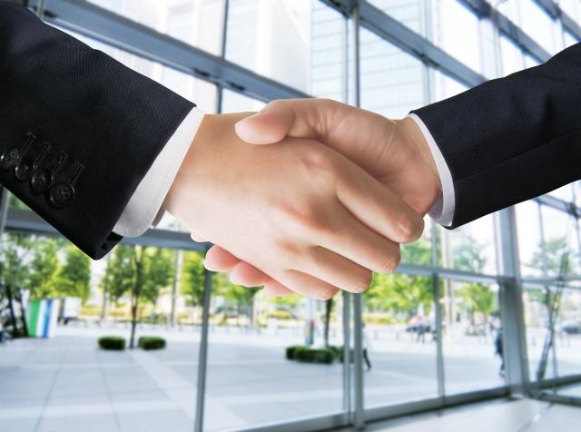 ビジネスマンの握手