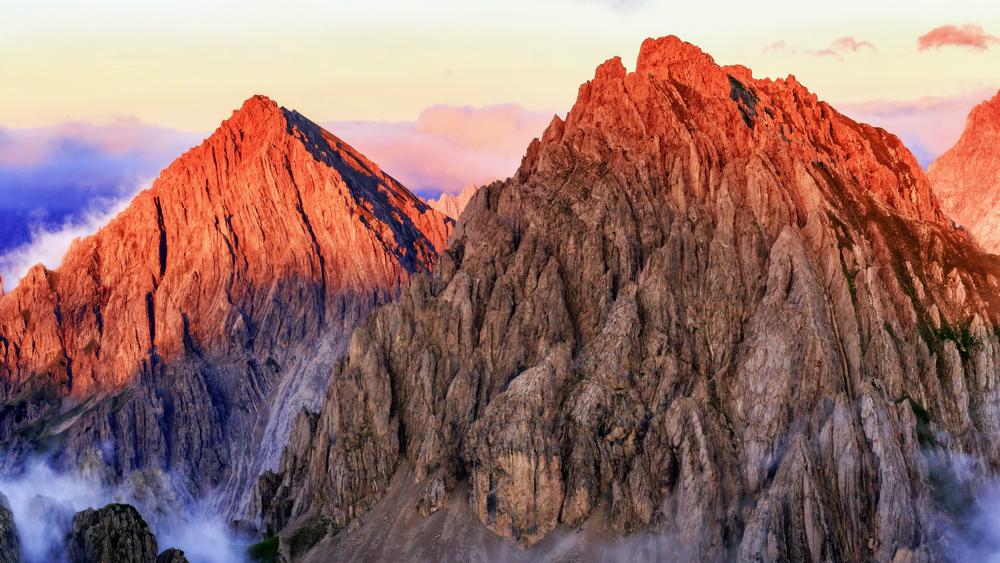 2つの大きな山